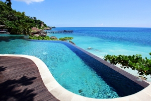 Ayana Resort infinity pool, Bali, by @debsnet