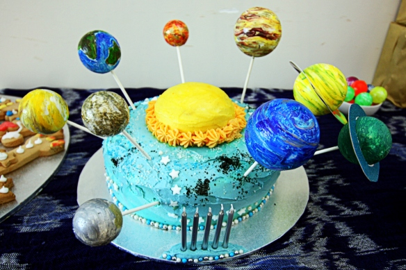 the weekend's outer space solar system cake